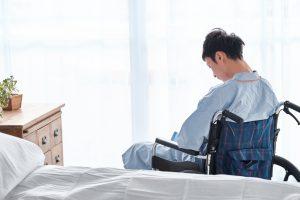 体の麻痺で障害年金をもらうための基準とポイント