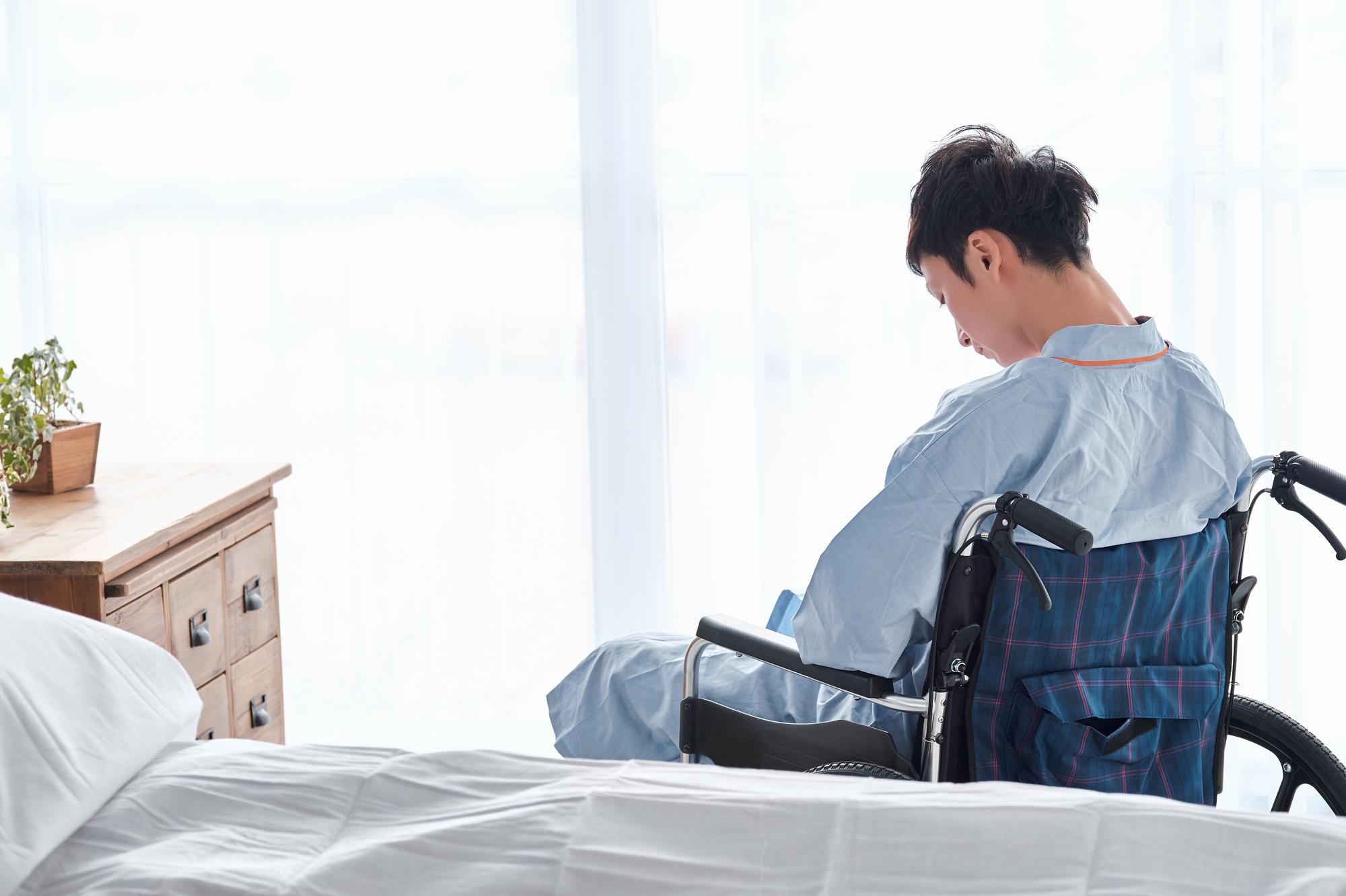 車椅子 男性 悩み